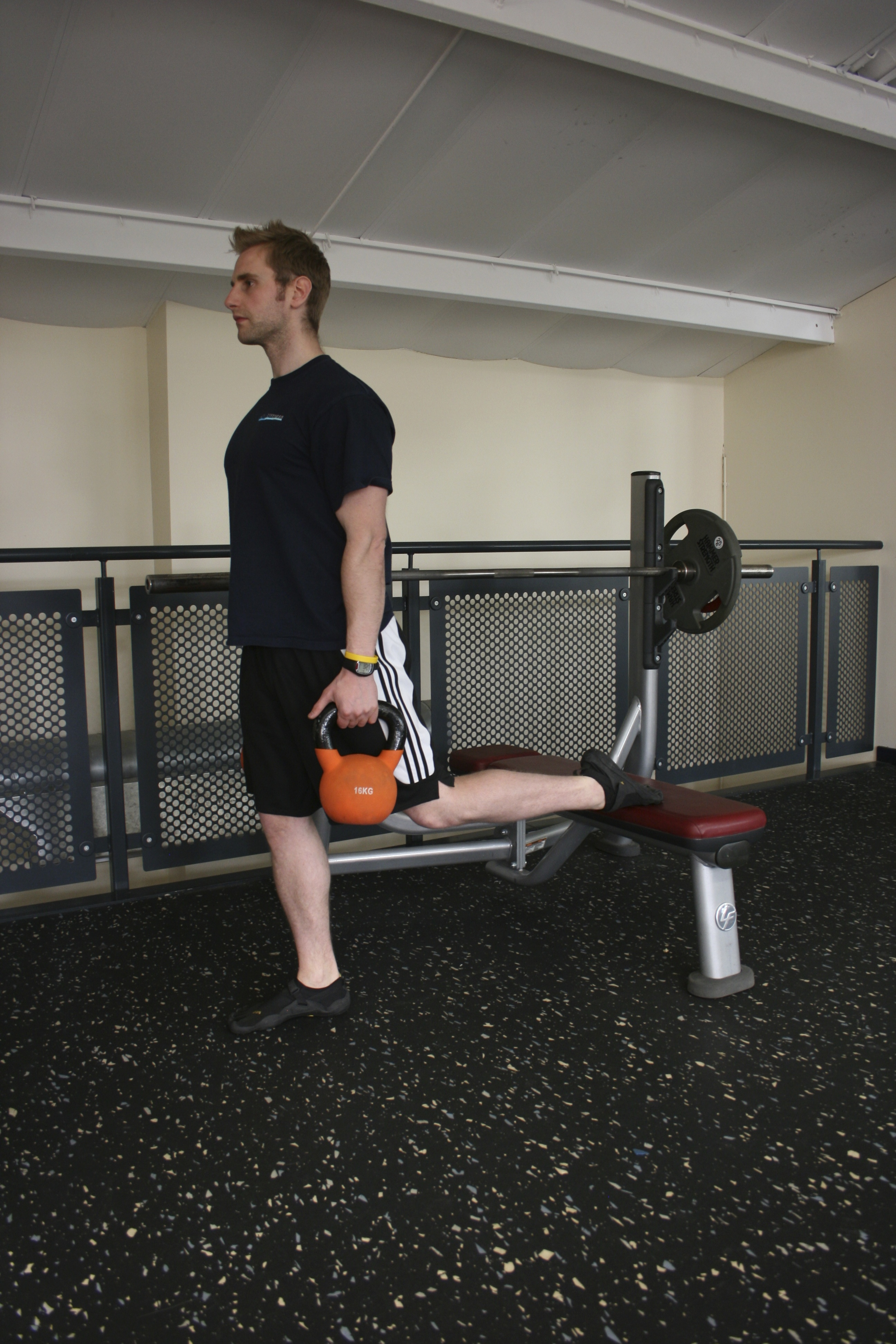 Rear foot elevated split squat, Uni-Lateral Training
