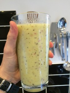 Quick Apple, Kiwi and Banana Smoothie