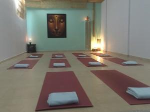 Lotus-Retreat-Studio-by-night